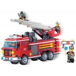 Пожарная машина с командой
