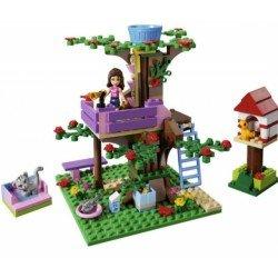 Оливия и домик на дереве